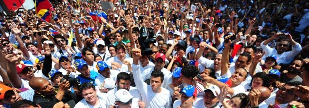 Las marchas opositoras con una constante, reprimidas por el chavismo | Foto: archivo Turello.com.ar