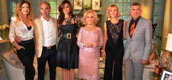Primer almuerzo de 2014: Mirtha Legrand con Araceli González, Isabel Macedo y Carla Petterson, entre otros / Crédito: www.eltrecetv.com.ar