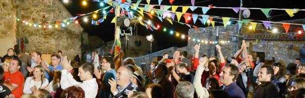 Los festejos en común en el barrio fortalecen la felicidad y la convivencia con los vecinos | Foto: www.heraldodesoria.es