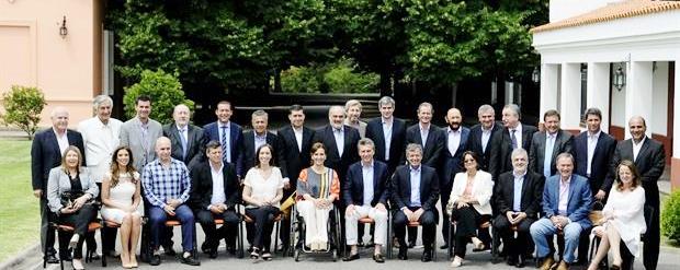 Otros tiempos. Tras asumir, Macri restableció el diálogo con los gobernadores. Ahora, necesita de su apoyo para trabar Ganancias | Foto: archivo Turello.com.ar