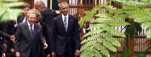 Obama con Raúl Castro. Nuevas relaciones después de 88 años y del  embargo económico a la isla | Foto: www.entornointeligente.com