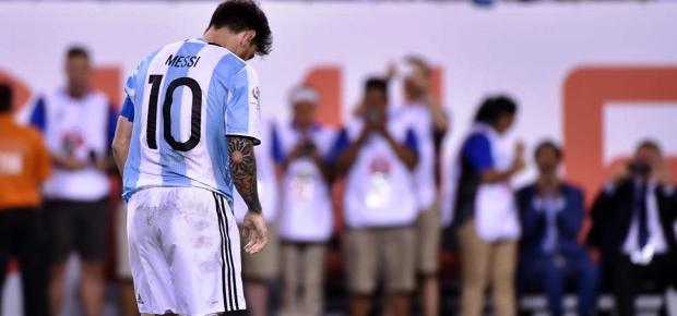 Messi quedó destrozado luego de tirar el penal a las tribunas | Foto: infobae.com