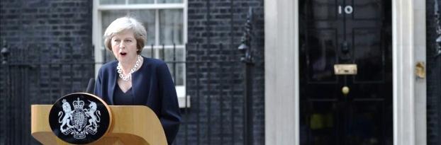 Theresa May habla frente a la residencia oficial. Tras Margaret Thatcher es la segunda mujer en conducir a Gran Bretaña   Foto: AFP