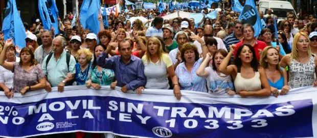 La protesta de los estatales se funda en la estabilidad; paciencia en el sector privado | Foto: archivo Turello.com.ar