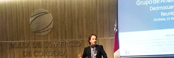 Dequino, economista-jefe de la Bolsa de Comercio de Córdoba, advierte que la apreciación del peso continuará hasta agosto de 2017 | Foto: @bolsacordoba