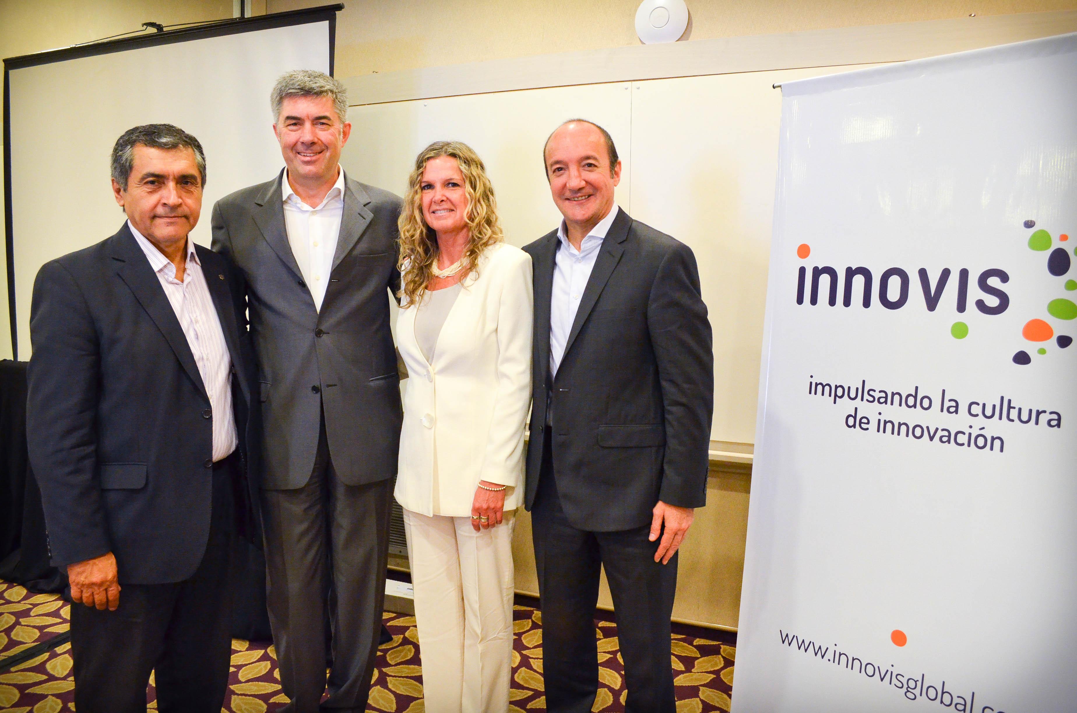 Walter Robledo, Fran Chuan, Andrea Novara y Marcelo Bechara en la presentación del Índice de Cultura de Innovación en Córdoba.