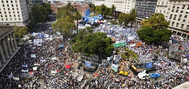 El conflicto docente ya incluyó seis paros en Córdoba y una enorme movilización hacia Plaza de Mayo | Foto: archivo Turello.com.ar