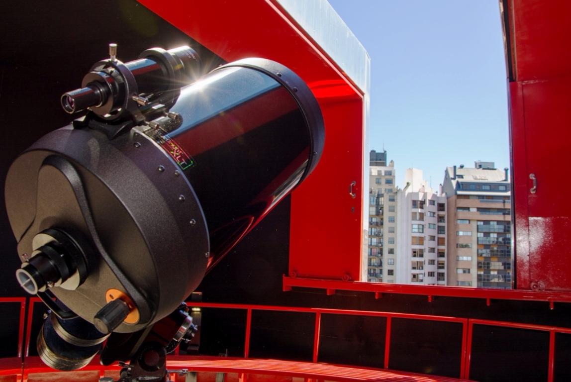 Telescopio en el planetario cordobés | Foto: Gobierno de Córdoba.