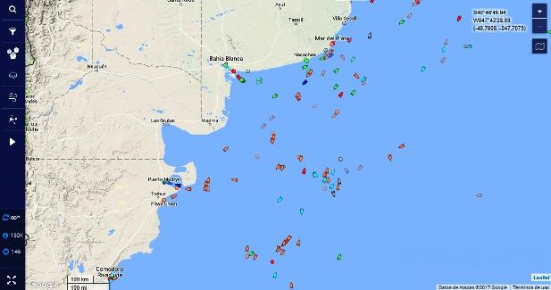 El tráfico en el mar argentino | Imagen: captura de pantalla de MarineTraffic.