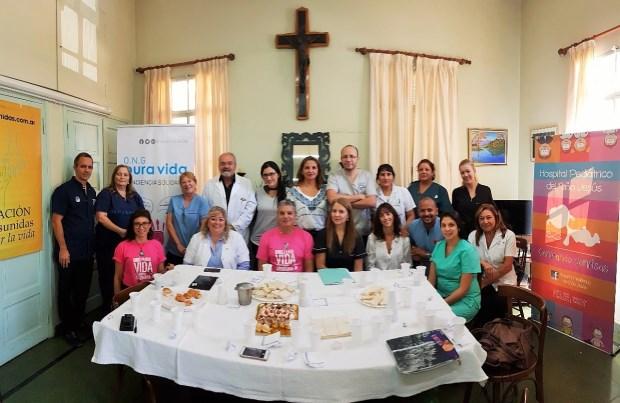 El equipo del Hospital Pediátrico del Niño Jesús junto a la organización Pura Vida.