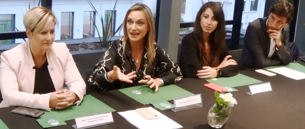La rectora María Belén Mendé, junto a autoridades de la Universidad Siglo 21, habla sobre los nuevos desafíos.